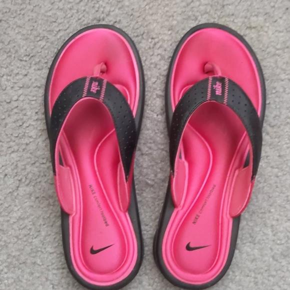 Nike Shoes | Nike Memory Foam Flip